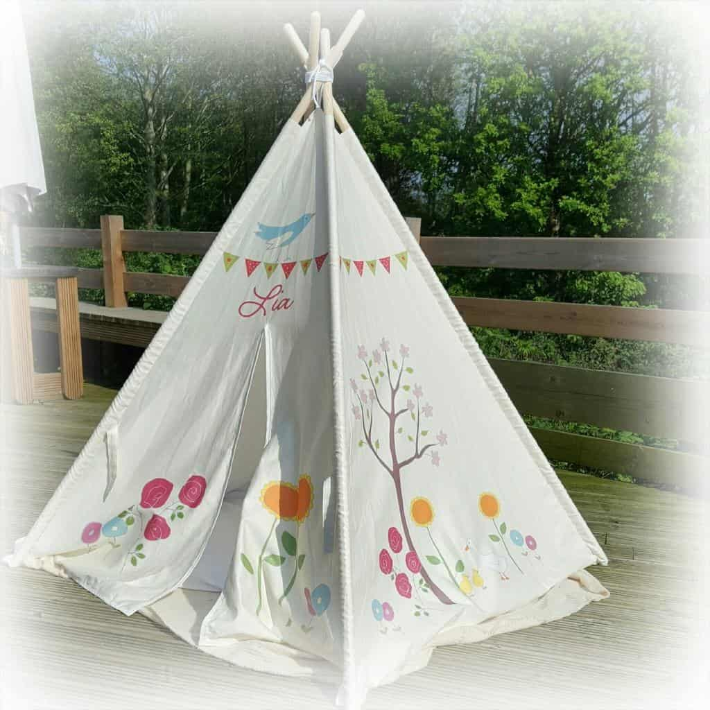 A review of a personalised children's teepee from Izabela Peters