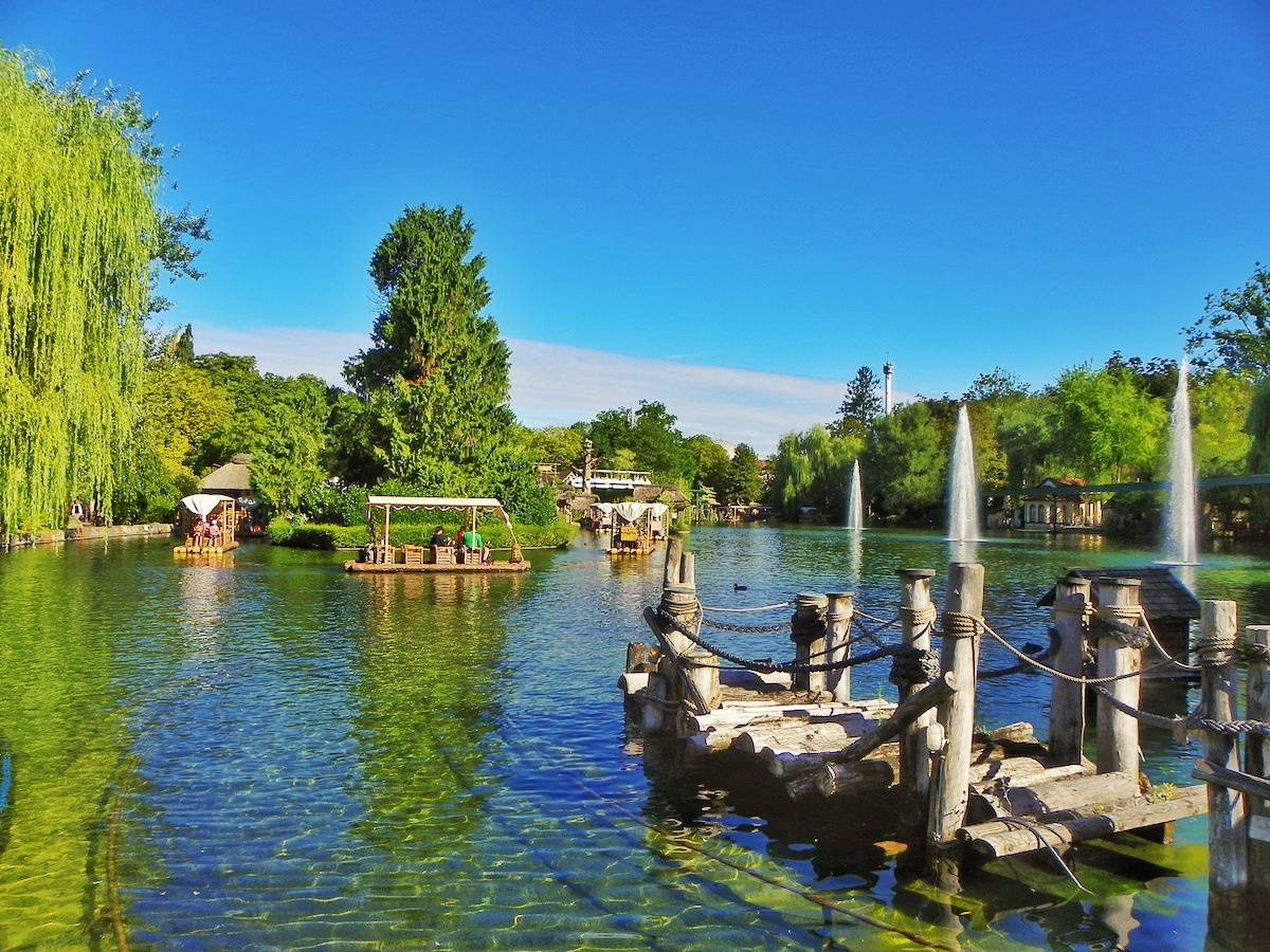 20 tips for visiting Europa-Park - one of the biggest theme parks in Europe, located in the Black Forest in Germany