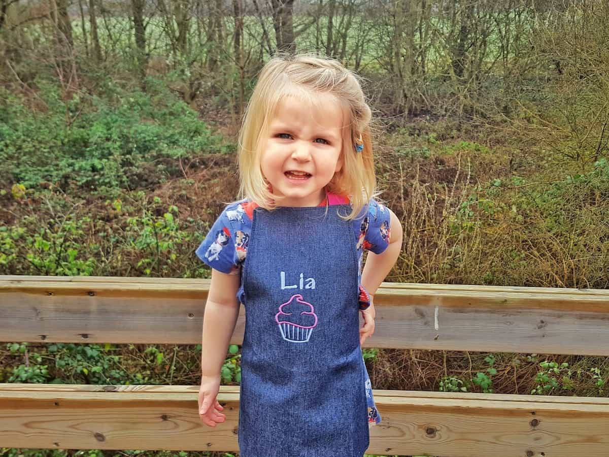 Arty Apple Personalised Aprons – Review and Giveaway