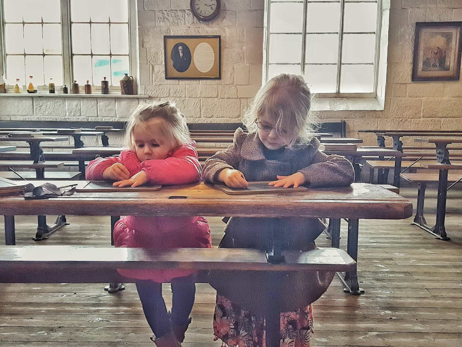 12 tips for a brilliant day out at the Black Country Living Museum near Dudley in the West Midlands. This is a living history museum that is perfect for visitors of all ages from small children to adults. It is an excellent, full day out with both food outlets and picnic areas available. Includes the Dudley Canal and Tunnel Trust.
