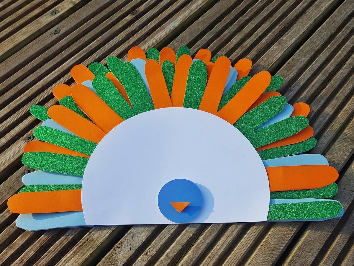 This simple peacock craft is perfect to make with toddlers. Better still, you only need a few materials. Children will love being able to make a paper bird without getting their hands sticky. Older children will be able to complete the whole craft but toddlers will need some help with the cutting.
