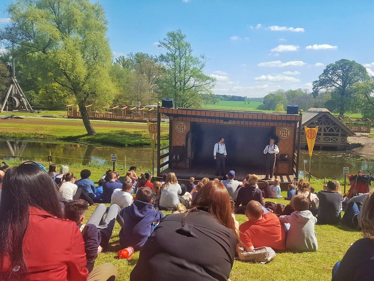 Looking for a fun, educational day out in the West Midlands? We can highly recommend Warwick Castle. Check out the connection between Horrible Histories and Warwick Castle and find out how you can learn all about both the history of England and the Castle's history from the Horrible Histories maze and stage show.