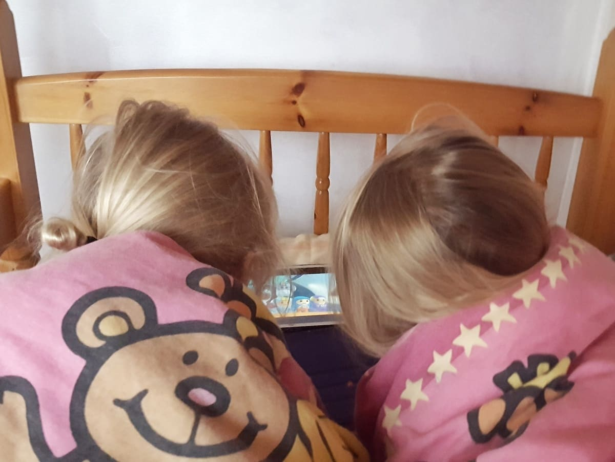 Do toddlers have too much screen time? I take a look at the average amounts of screen time among young children and see whether my two are getting the right amount.