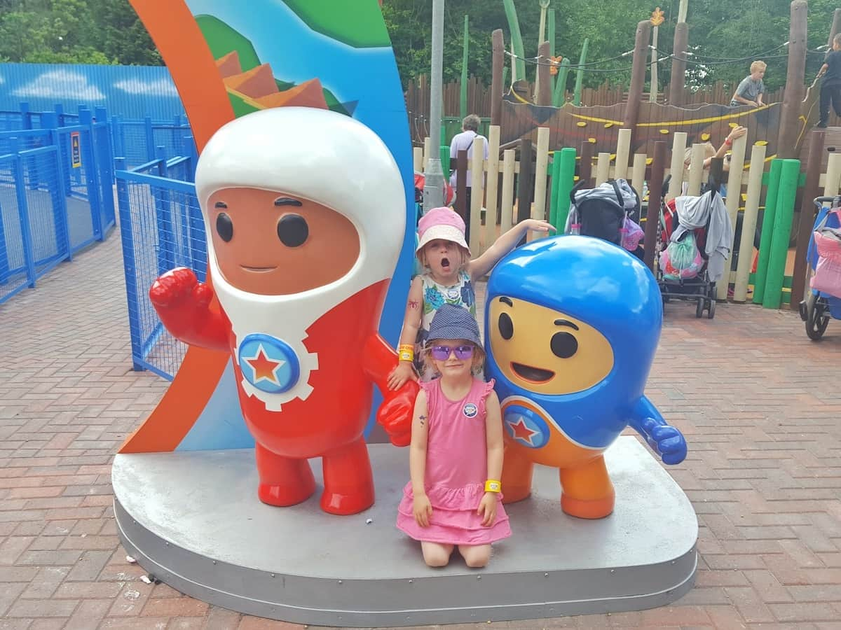 Putting our Konfidence swim jackets to the test at Alton Towers waterpark