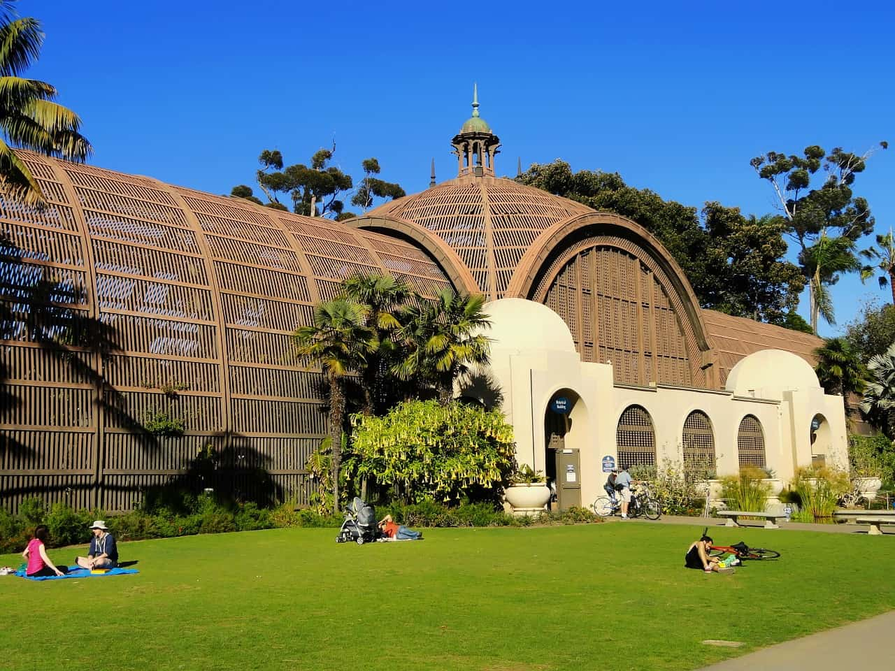A curved shaped building in Balboa Park San Diego California