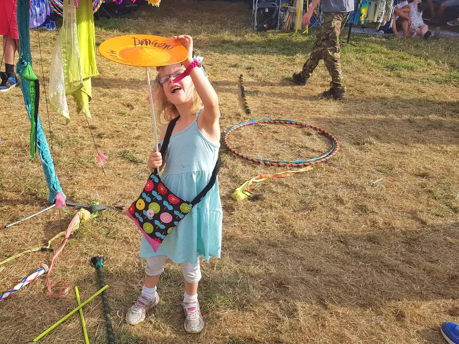 Nozstock the hidden valley festival - girl spinning plate