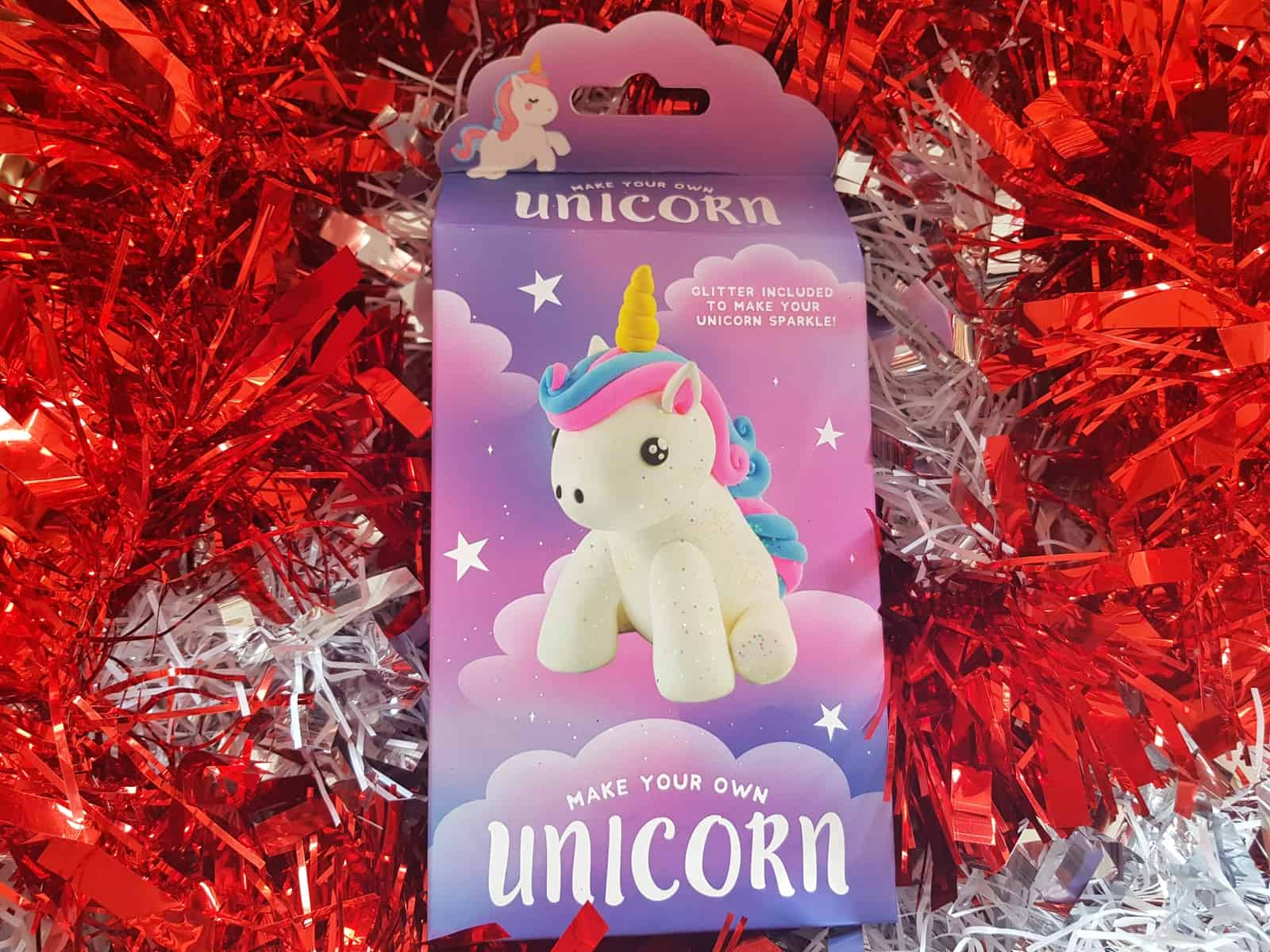 Christmas gift guide for primary school children build your own unicorn super dough