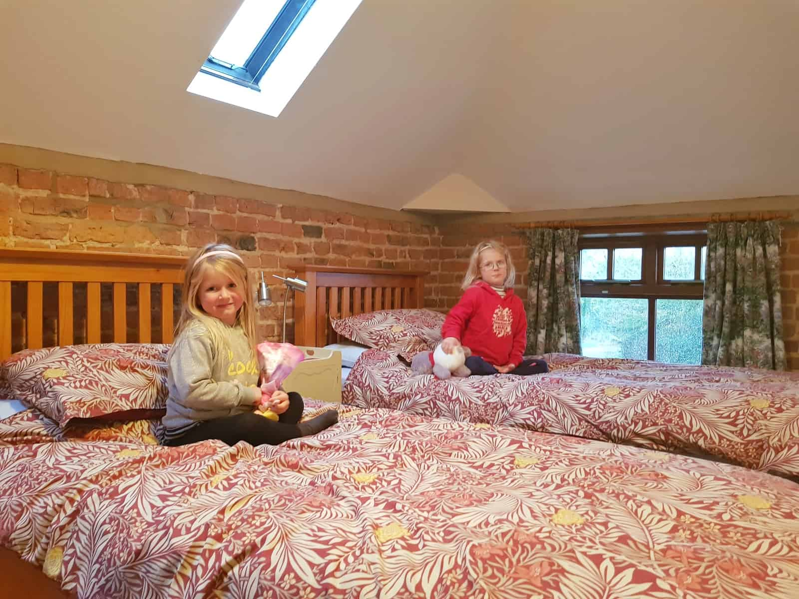 Lincolnshire Wolds Canal Farm Cottages Barn Owl bedroom
