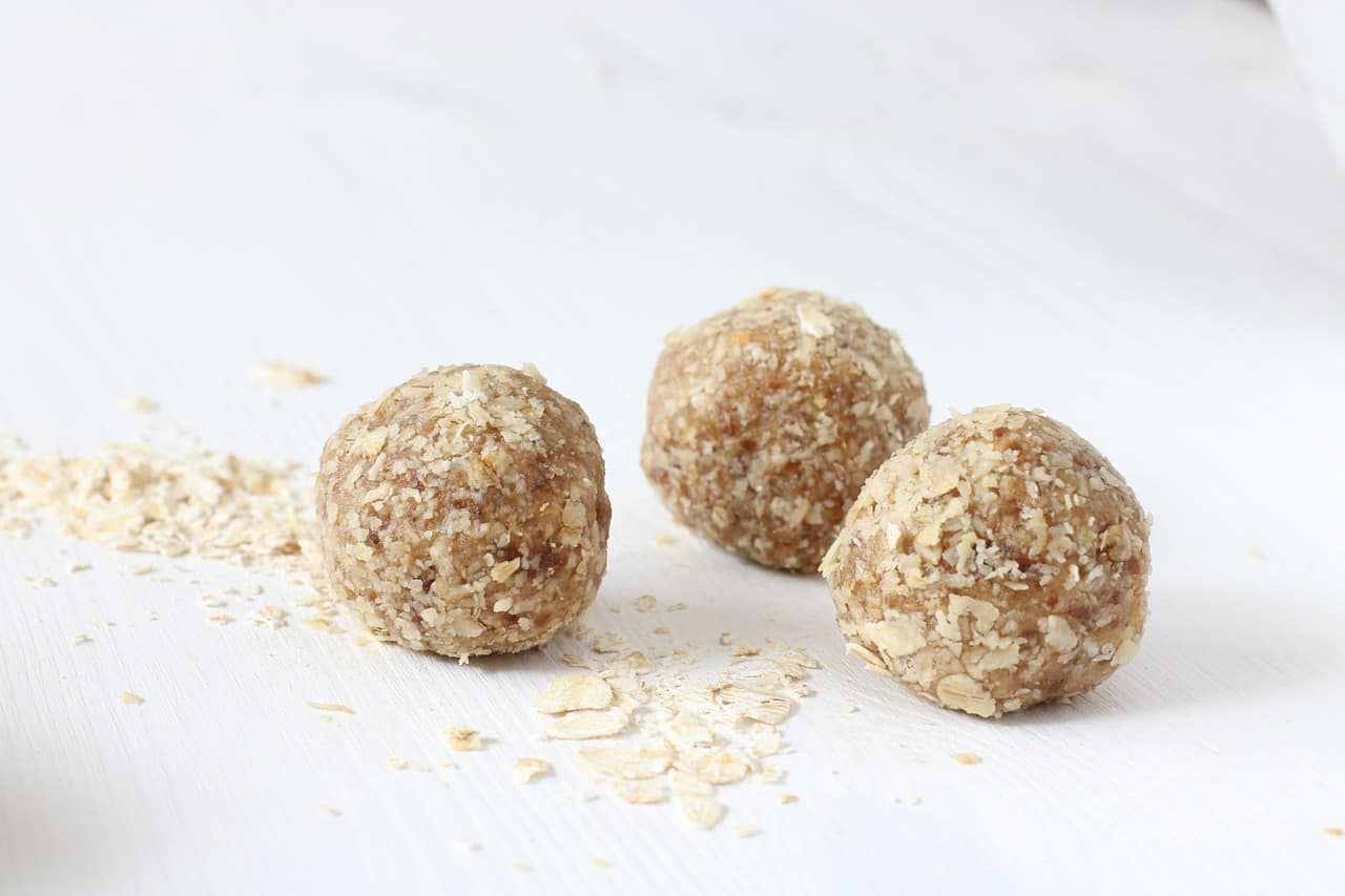 Vegan date balls are an ideal Veganuary snack