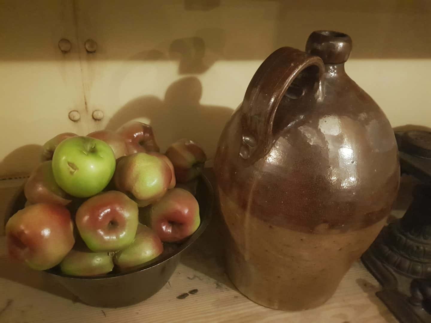 fake apples and jug in SS Great Britain galley