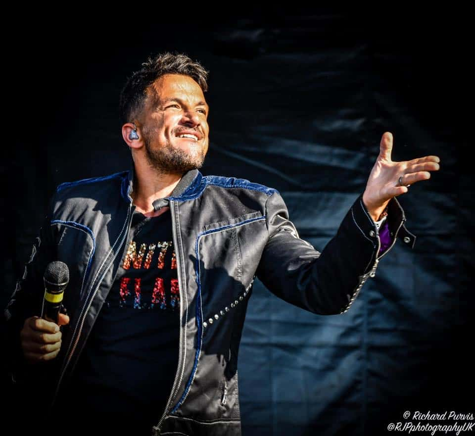 Peter Andre performing at sunshine festival 2019