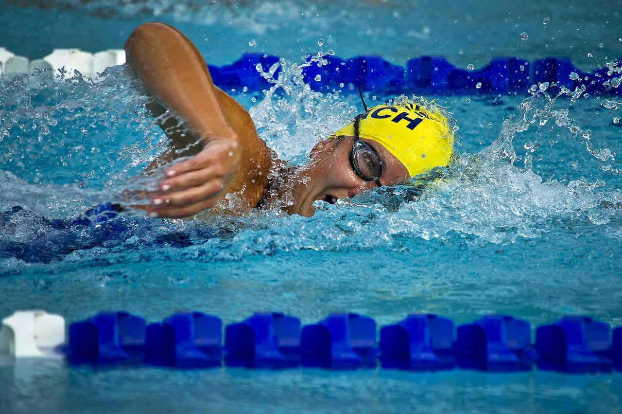 Competitive swimmer training in a lane