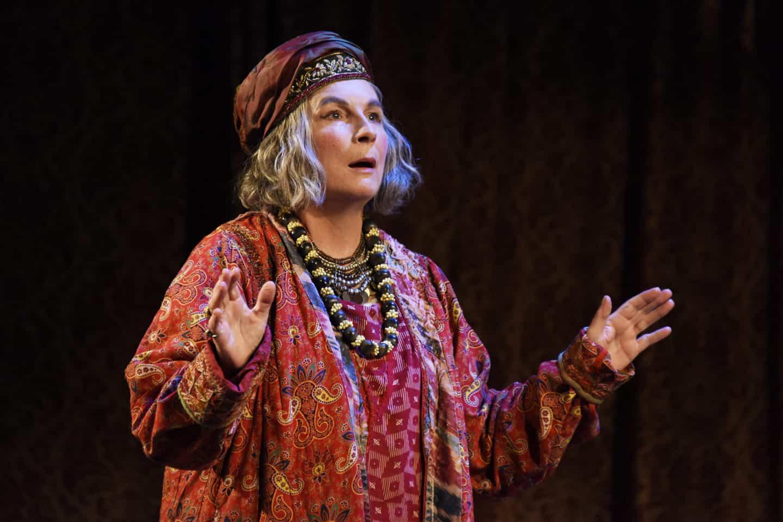 Blithe Spirit starring Jennifer Saunders at Malvern Theatres: Review